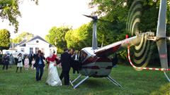 location privatisation des salons et du chteau pour vos mariages sminaires soires rallyes garden parties journes dtude tournages - Chateau Du Breuil Mariage